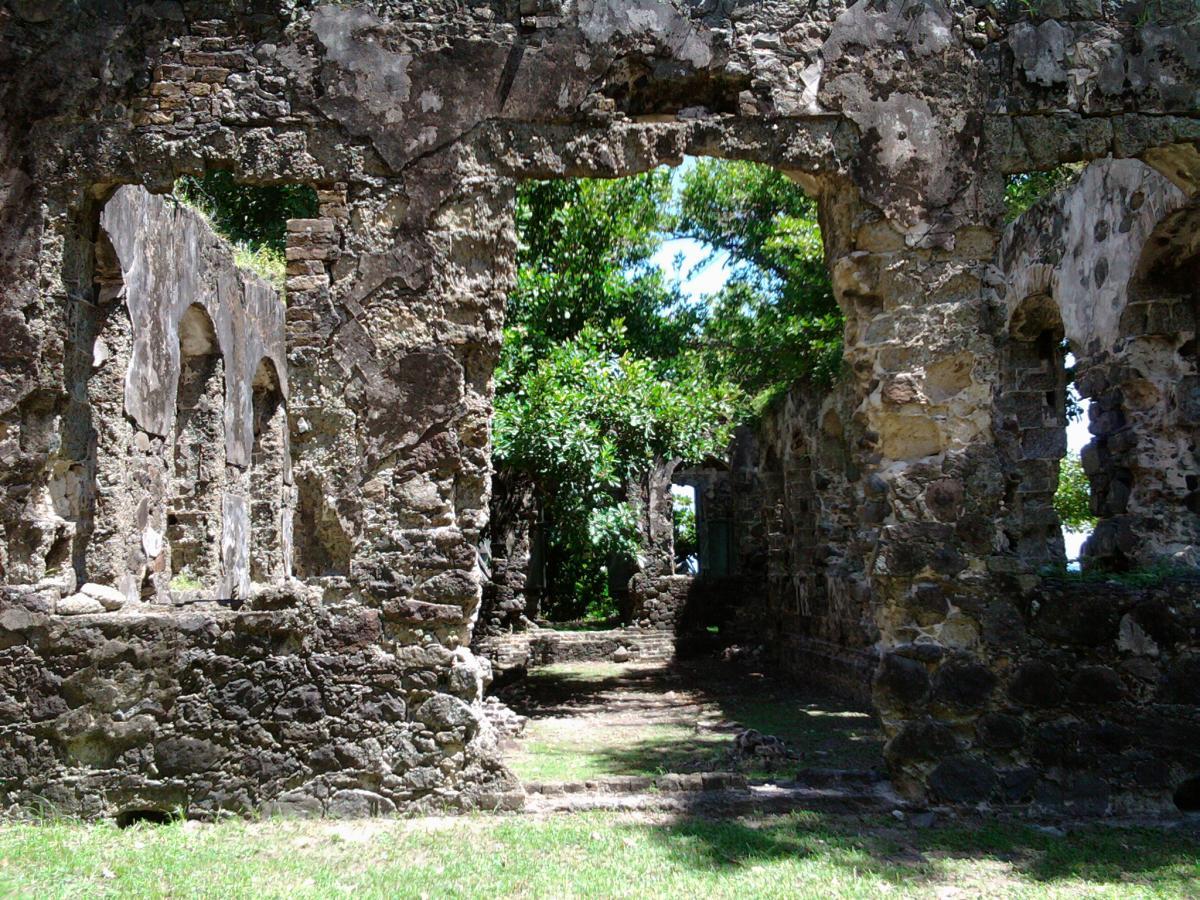 Fort-Rodney-Ruin (1)